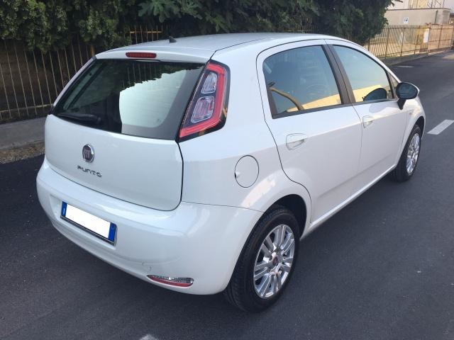 FIAT Punto 1.2 69 CV 5 porte OK NEOPATENTATI Immagine 3