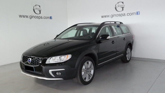 VOLVO XC70 D4 AWD Geartronic Momentum Immagine 0