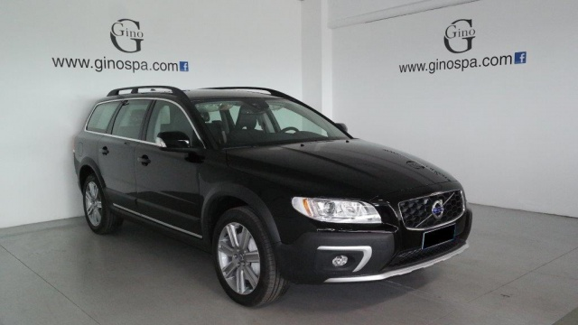 VOLVO XC70 D4 AWD Geartronic Momentum Immagine 1