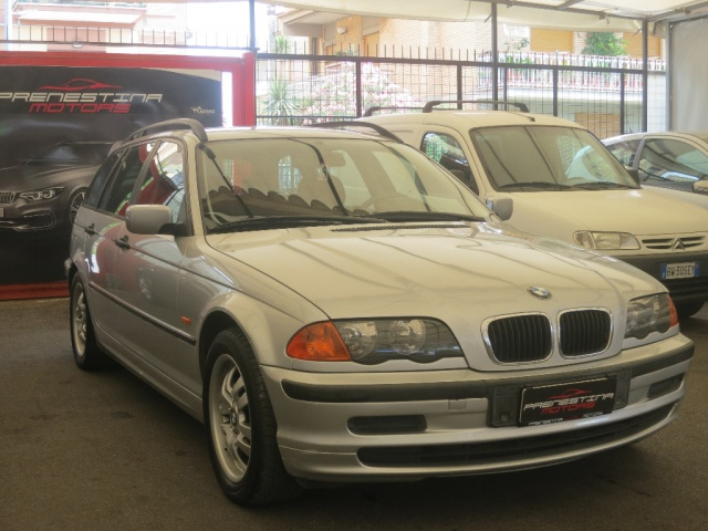 BMW 320 d turbodiesel automaticoTouring Immagine 2