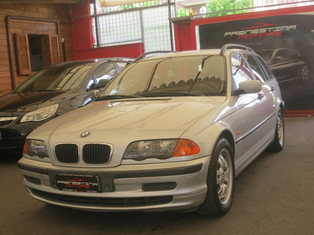 BMW 320 d turbodiesel automaticoTouring Immagine 3