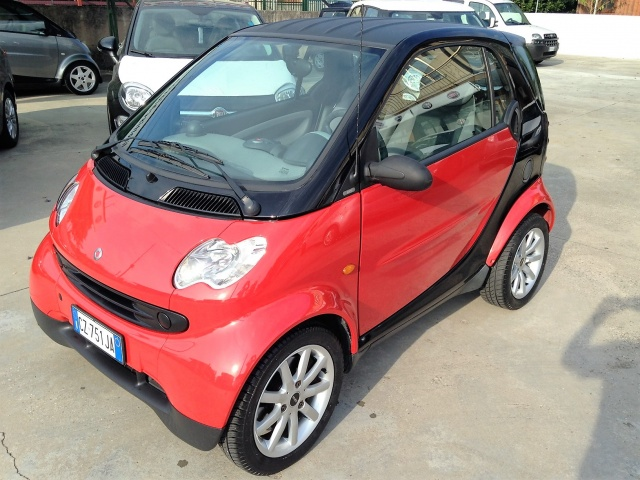SMART ForTwo 700 coupé pure (37 kW) Immagine 0