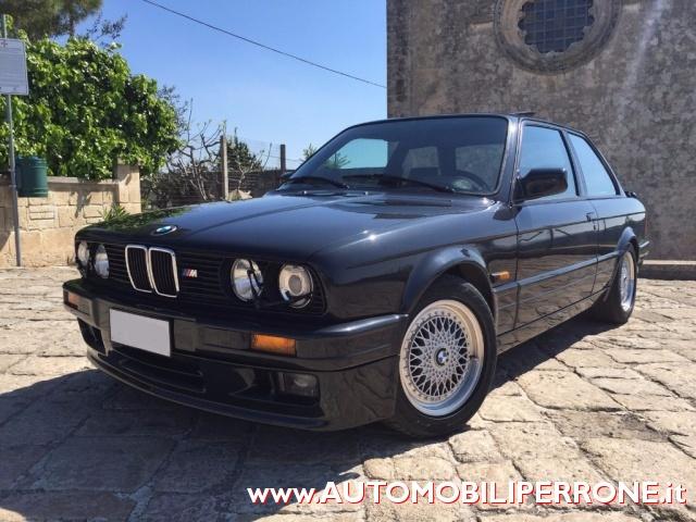 BMW 320 is M Power Immagine 1