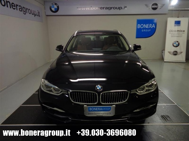 BMW 320 d Touring Luxury Immagine 1