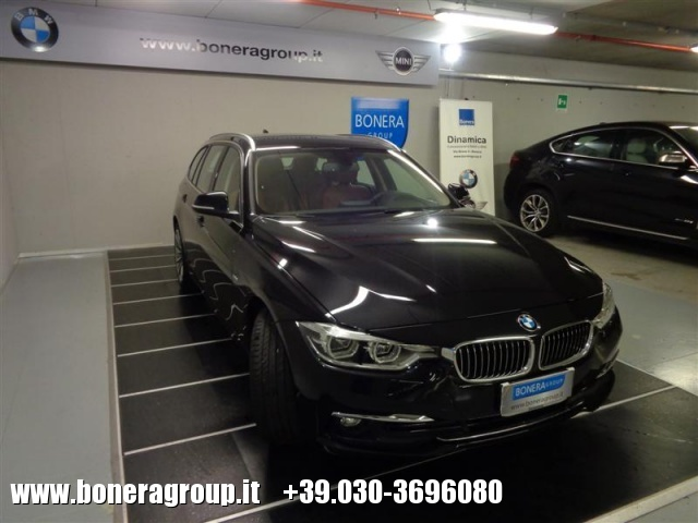 BMW 320 d Touring Luxury Immagine 2