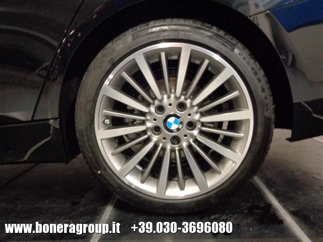 BMW 320 d Touring Luxury Immagine 3