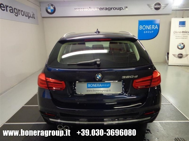 BMW 320 d Touring Luxury Immagine 4