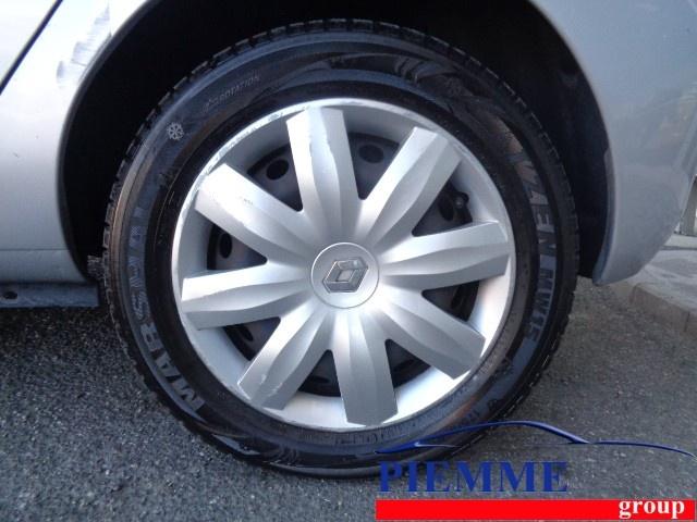 RENAULT Clio Storia 1.2 16V 5 porte Confort Immagine 4