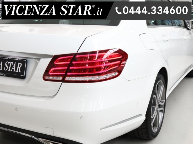 MERCEDES-BENZ E 200 BlueTEC AUTOMATIC SPORT Immagine 2