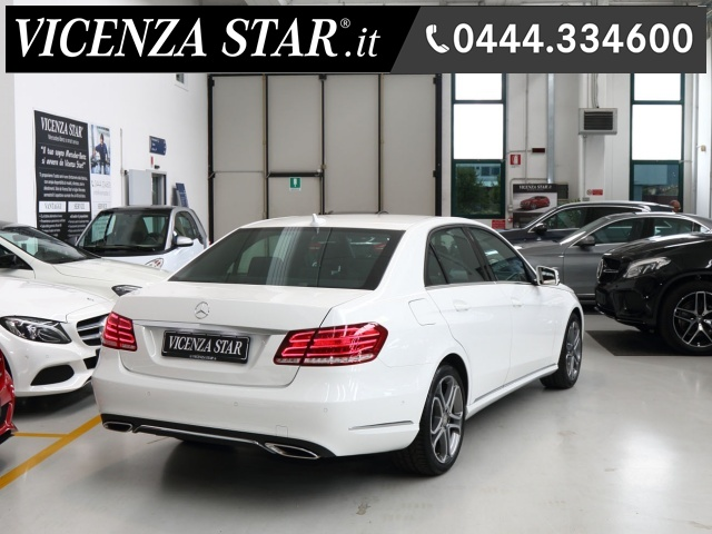 MERCEDES-BENZ E 200 BlueTEC AUTOMATIC SPORT Immagine 3