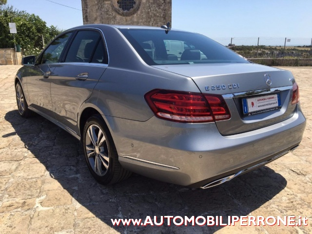 MERCEDES-BENZ E 250 CDI 4Matic Sport Immagine 4