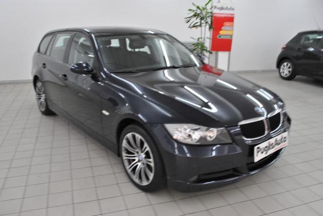 BMW 318 d Touring Attiva Immagine 0