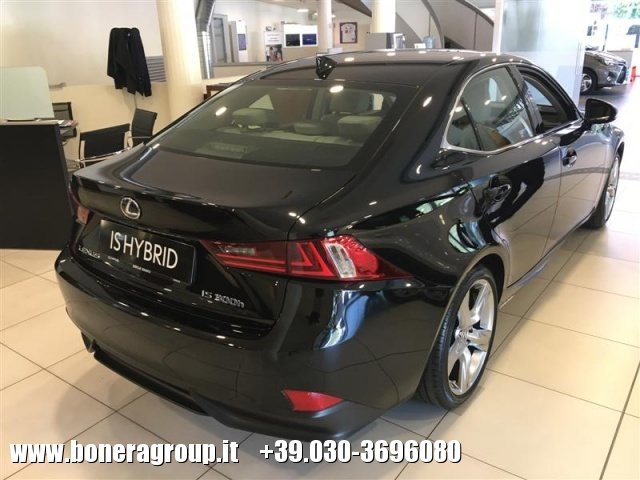 LEXUS IS 300 Hybrid Luxury MY16 Immagine 3