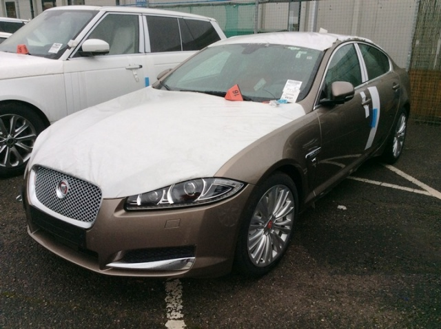 JAGUAR XF Antracite pastello