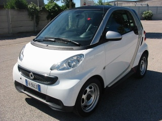 Smart fortwo 2 Usato fortwo 1000 45 kW MHD coupé pure