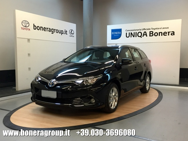 TOYOTA Auris Touring Sports 1.8 Hybrid Active MY15 Immagine 0
