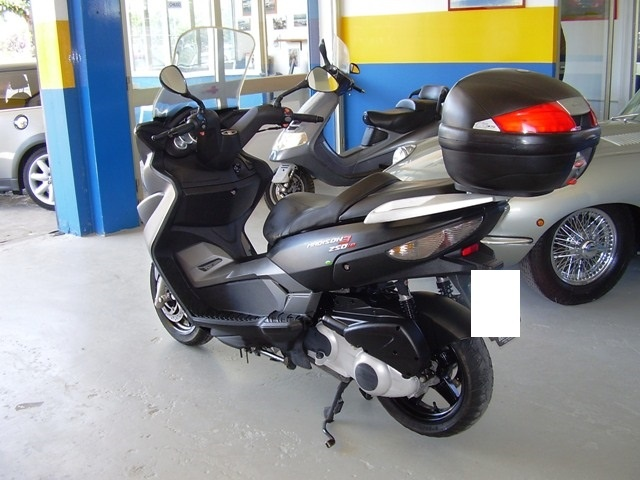 OTHERS-ANDERE OTHERS-ANDERE SCOOTER MALAGUTI MADISON 3 CC. 250 I.E Immagine 3