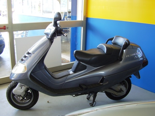 OTHERS-ANDERE OTHERS-ANDERE SCOOTER PIAGGIO HEXAGON LXT CC.180 Immagine 2