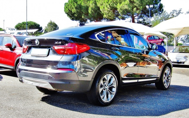 BMW X4 xDrive30dA 258CV xLine AUTOMATICO NAVIGATORE EURO6 Immagine 3