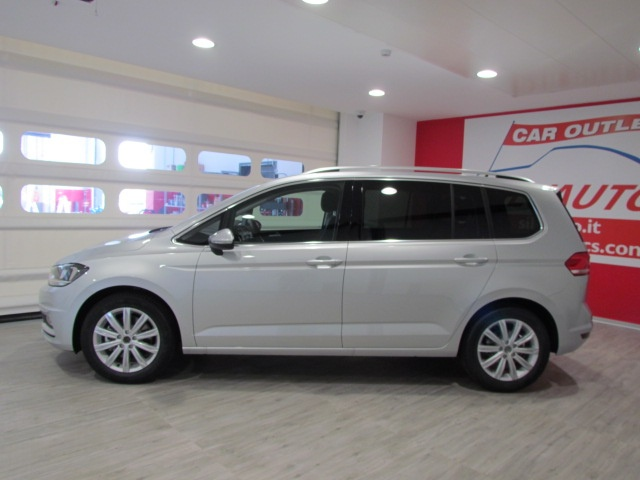 VOLKSWAGEN Touran 1.6 TDI DSG Executive BlueMotion Technology 110CV Immagine 1