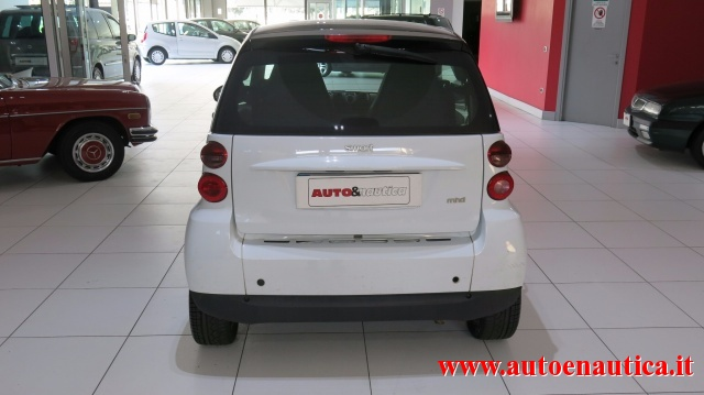 SMART ForTwo 1000 52 kW MHD coupé passion Immagine 3