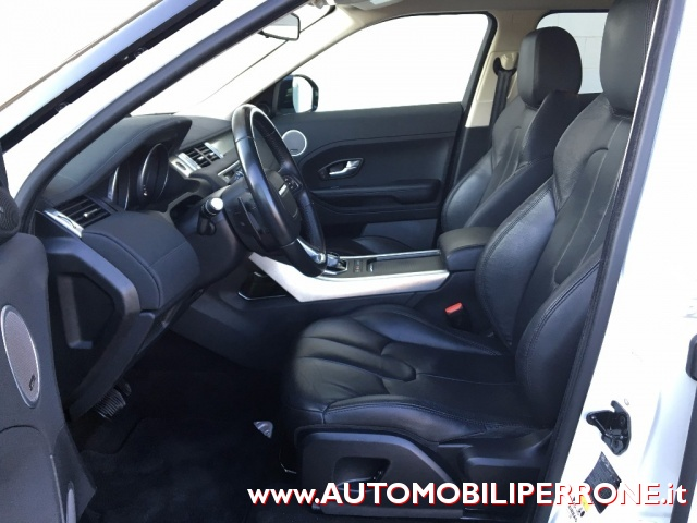 LAND ROVER Range Rover Evoque 2.2 TD4 Pure (C. Automatico-Xeno-Pelle) Immagine 3
