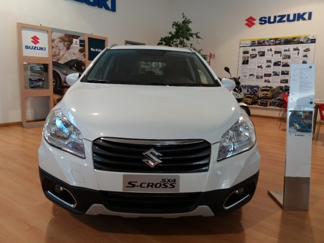 SUZUKI S-Cross 1.6 DDiS Start&Stop 4WD All Grip DCT Cool Immagine 1