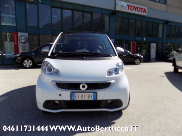 SMART ForTwo 1000 52 kW MHD passion Immagine 1