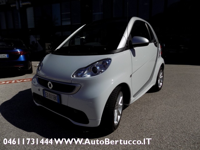 SMART ForTwo 1000 52 kW MHD passion Immagine 0