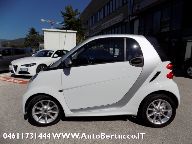 SMART ForTwo 1000 52 kW MHD passion Immagine 3
