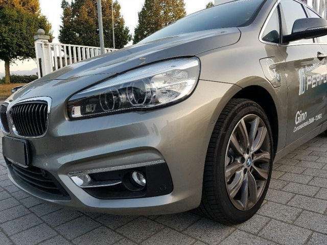 BMW 225 xe Active Tourer Luxury aut. Immagine 1