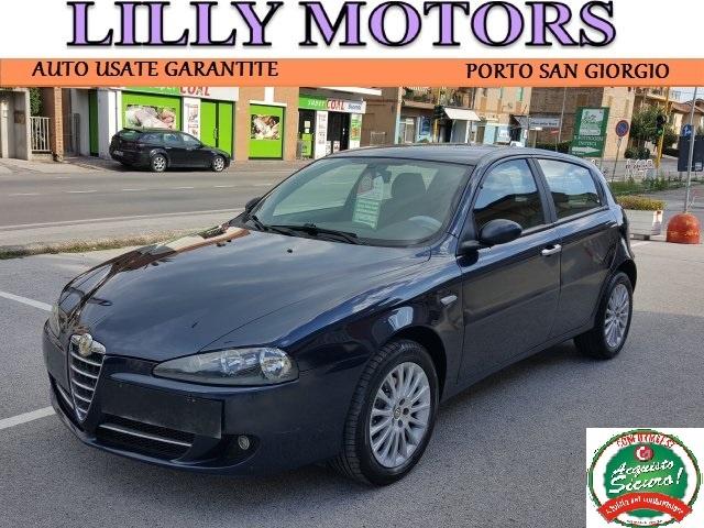 ALFA ROMEO 147 1.9 JTD (120) 5 porte Distinctive - LillyMotors Immagine 0