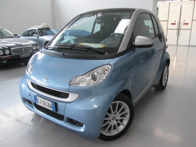 SMART ForTwo 1000 52 kW MHD coupé passion Immagine 0