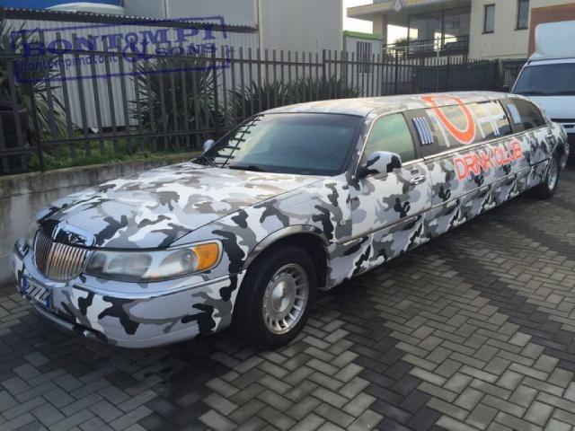 LINCOLN Town Car Limousine Immagine 2