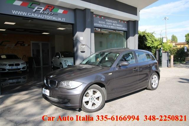 BMW 118 d 5 porte DPF TETTO NAVIGATORE TEMPOMAT SENSORI Immagine 0