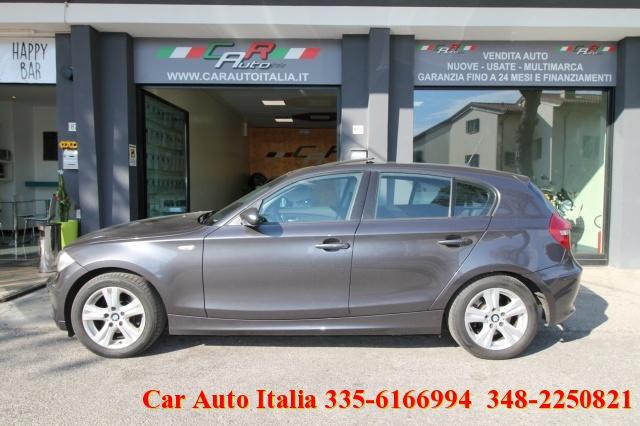 BMW 118 d 5 porte DPF TETTO NAVIGATORE TEMPOMAT SENSORI Immagine 1