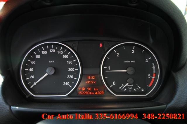 BMW 118 d 5 porte DPF TETTO NAVIGATORE TEMPOMAT SENSORI Immagine 3