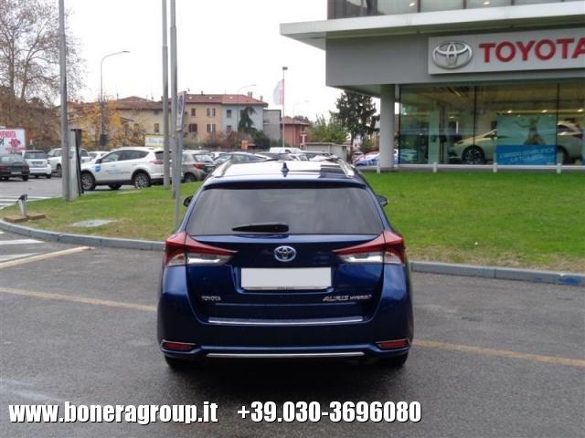 TOYOTA Auris Touring Sports 1.8 Hybrid Lounge Immagine 2