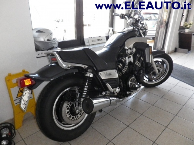 MOTOS-BIKES Yamaha V-MAX 1200 CARBON 140CV Immagine 2