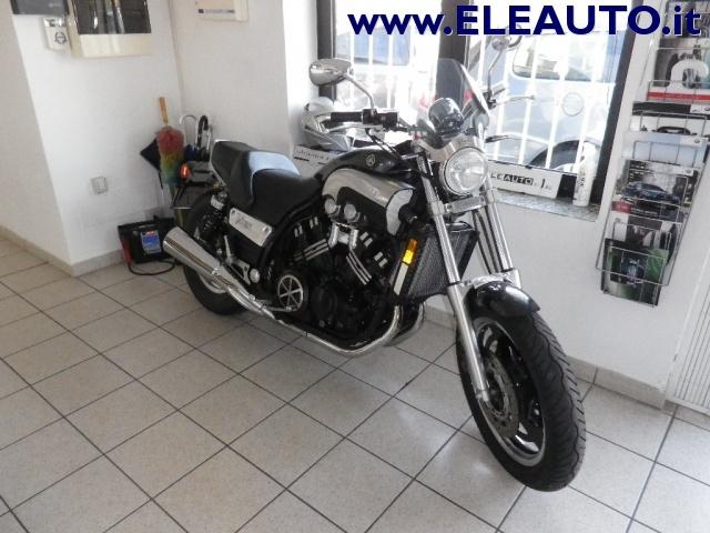 MOTOS-BIKES Yamaha V-MAX 1200 CARBON 140CV Immagine 0