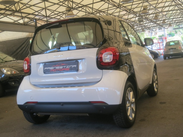 SMART ForTwo 70 1.0 Passion Immagine 4
