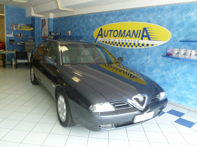 ALFA ROMEO 166 2.4 JTD cat Distinctive Immagine 0