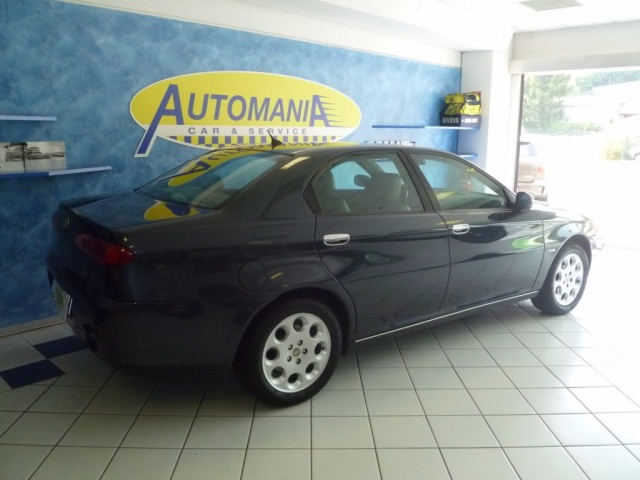 ALFA ROMEO 166 2.4 JTD cat Distinctive Immagine 2