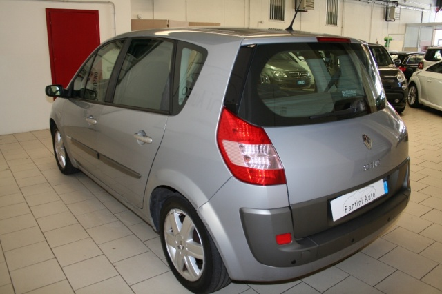 RENAULT Scenic 1.6 16V Luxe Dynamique GPL AUTOMATICA. Immagine 4