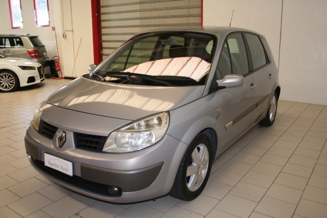 RENAULT Scenic 1.6 16V Luxe Dynamique GPL AUTOMATICA. Immagine 3