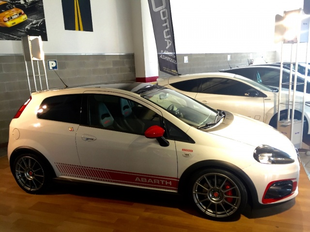 ABARTH Grande Punto SUPERSPORT - SABELT - SKY DOME 180CV Immagine 1