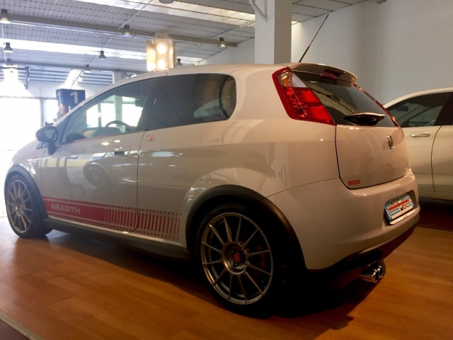 ABARTH Grande Punto SUPERSPORT - SABELT - SKY DOME 180CV Immagine 3