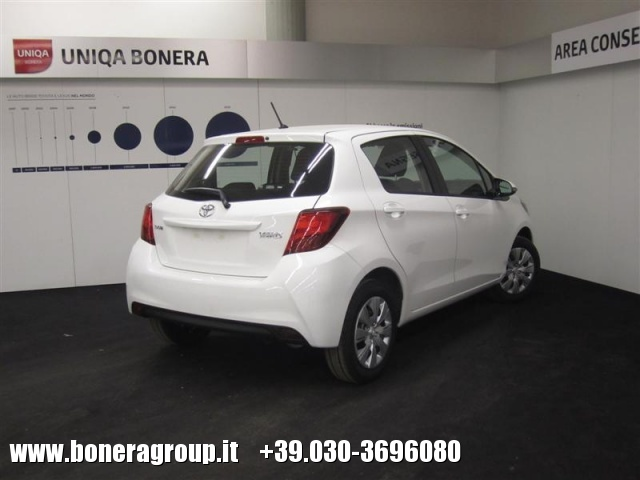 TOYOTA Yaris 1.0 5 porte Cool MY16 Immagine 3