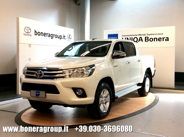 TOYOTA Hilux 2.4 D-4D 2WD Double Cab Lounge MY16 Immagine 0