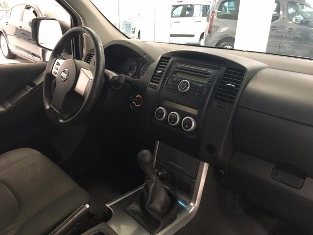 NISSAN Navara 2.5 dCi 190cv 4wd King Cab Sport Immagine 3